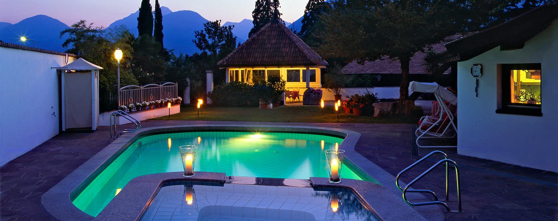 Pension Apartments Riedingerhof Ferien In Meran Sudtirol