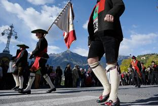 Traditioneller Festumzug in Meran